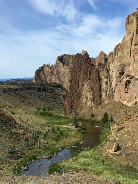 Towering Smith Rocks Art Print