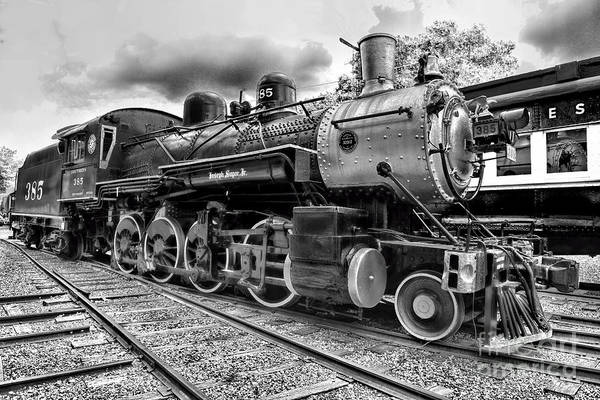 Train - Steam Engine Locomotive 385 In Black And White Art Print