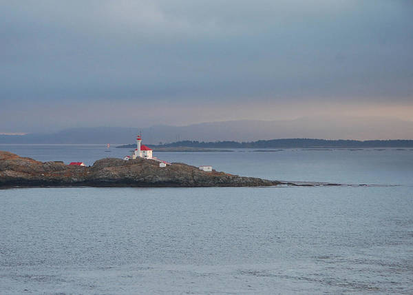 Wall Art - Photograph - Trial Islands Lighthouse 2 by Linda Eszenyi
