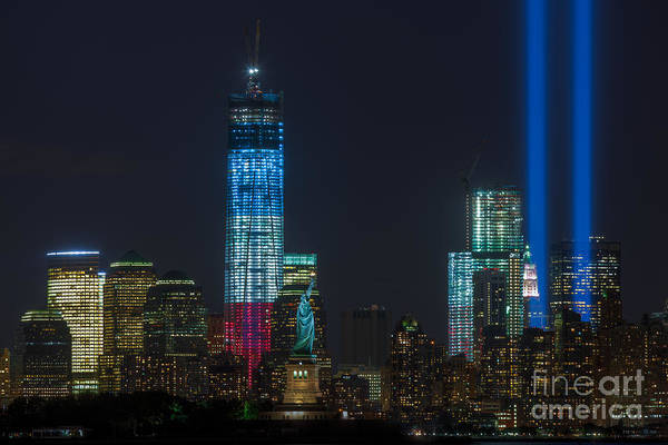 Photograph - Tribute In Light Vii by Clarence Holmes