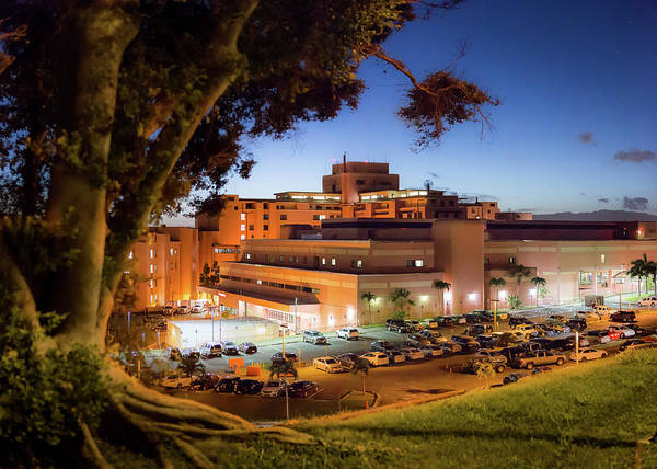 Photograph - Tripler Army Medical Center by Geoffrey Lewis