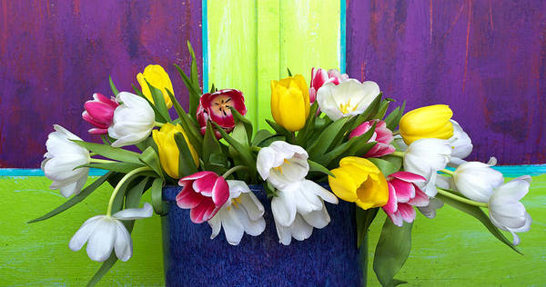 Neon Pink Painting - Tulips by Glennis Siverson