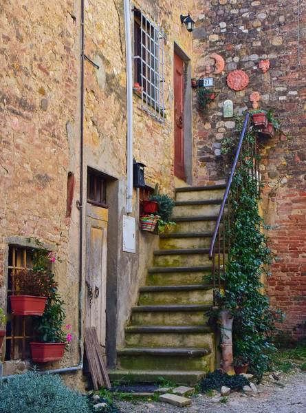 Wall Art - Photograph - Tuscan Home by Frozen in Time Fine Art Photography