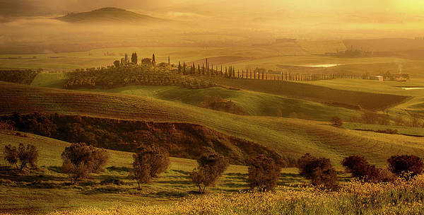 Photograph - Tuscan Villa by Rob Davies