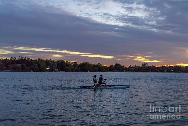 Photograph - Two Girls Paddling At Dusk by Les Palenik