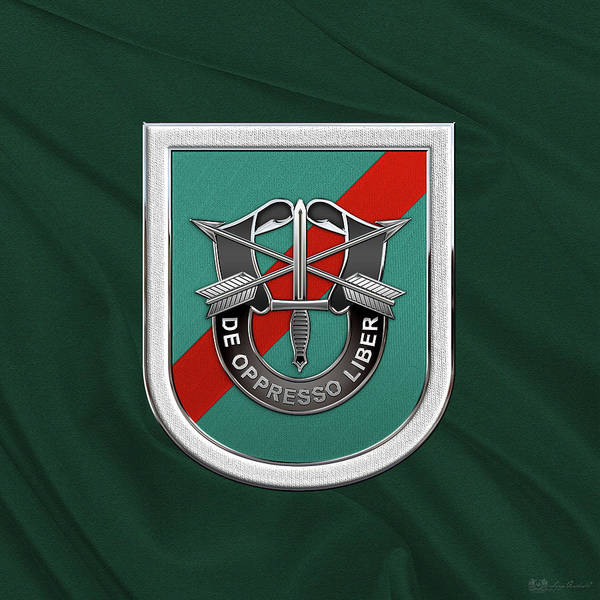 Digital Art - U. S.  Army 20th Special Forces Group - 20 S F G  Beret Flash Over Green Beret Felt by Serge Averbukh