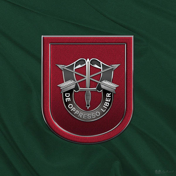 Special Forces Wall Art - Digital Art - U. S.  Army 7th Special Forces Group - 7 S F G  Beret Flash Over Green Beret Felt by Serge Averbukh