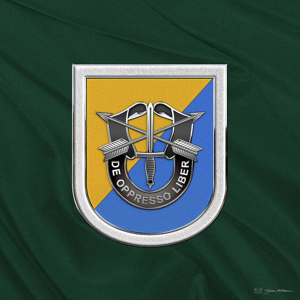 Digital Art - U. S.  Army 8th Special Forces Group - 8 S F G  Beret Flash Over Green Beret Felt by Serge Averbukh