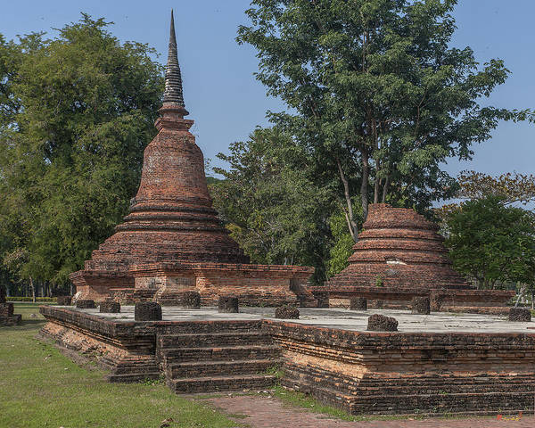 Photograph - Unidentified Wat Wihan And Chedi Dthst0077 by Gerry Gantt