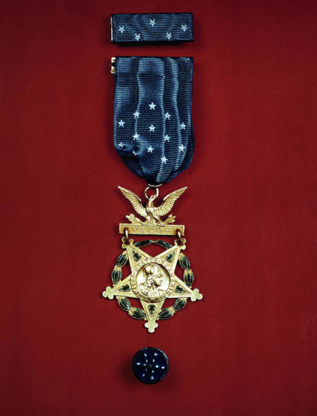 Medal Of Honor Photograph - United States Medal Of Honor 1943 by Daniel Hagerman