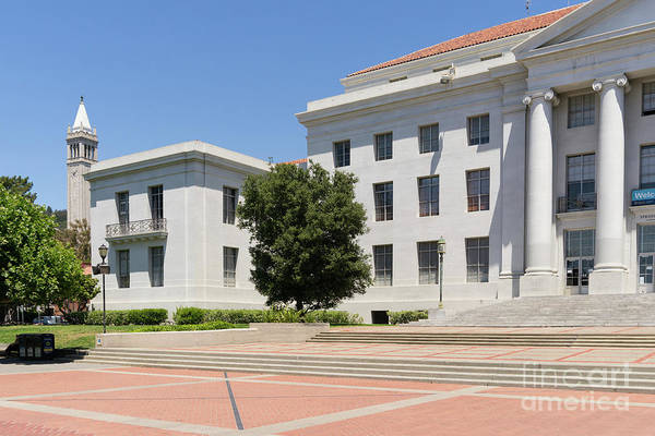 Photograph - University Of California Berkeley Historic Sproul Hall At Sproul Plaza And The Campanile Dsc4084 by Wingsdomain Art and Photography