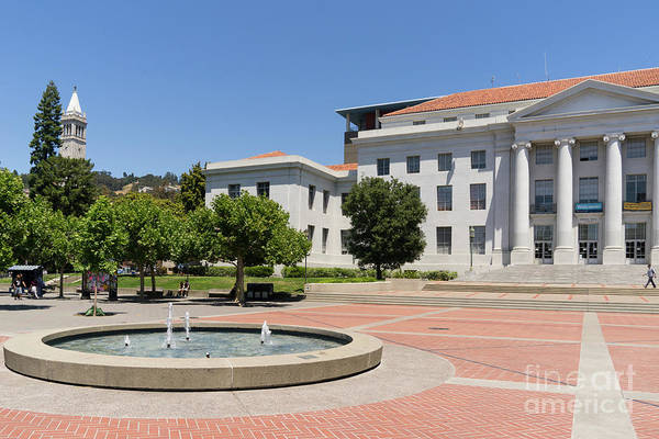 Photograph - University Of California Berkeley Historic Sproul Hall At Sproul Plaza And The Campanile Dsc4086 by Wingsdomain Art and Photography