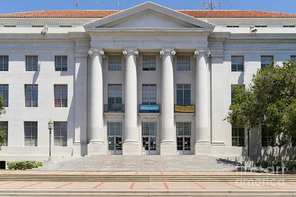 Photograph - University Of California Berkeley Historic Sproul Hall At Sproul Plaza Dsc4081 by Wingsdomain Art and Photography