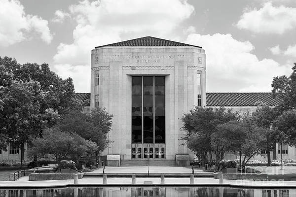 Photograph - University Of Houston Cullen Building by University Icons