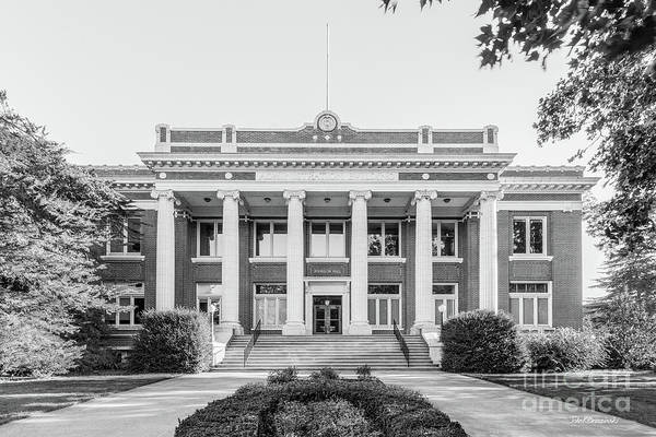Photograph - University Of Oregon Johnson Hall by University Icons