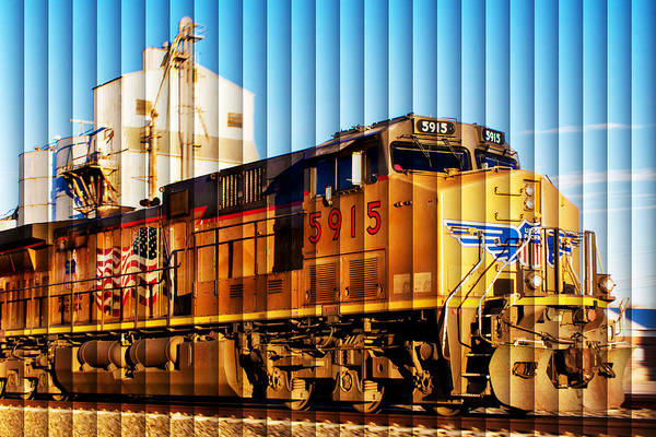 Wall Art - Photograph - Up 5915 At Track Speed by Bill Kesler