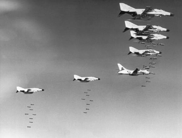 Wall Art - Photograph - U.s. Bombing North Vietnam by Underwood Archives