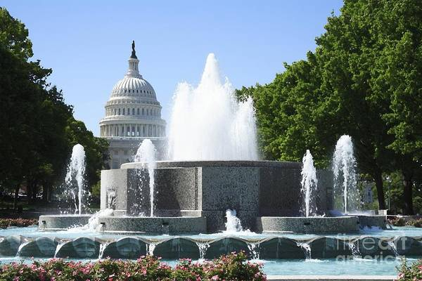 Digital Art - Us Capitol And Fountain With Watercolor Effects by William Kuta