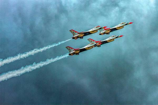 Wall Art - Photograph - Usaf Thunderbirds by Bill Gallagher