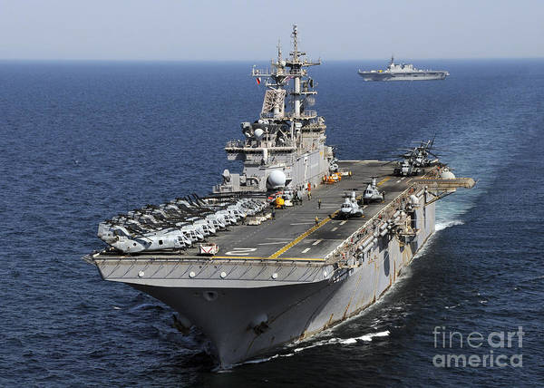 Amphibious Assault Ship Wall Art - Photograph - Uss Essex Transits Off The Coast by Stocktrek Images