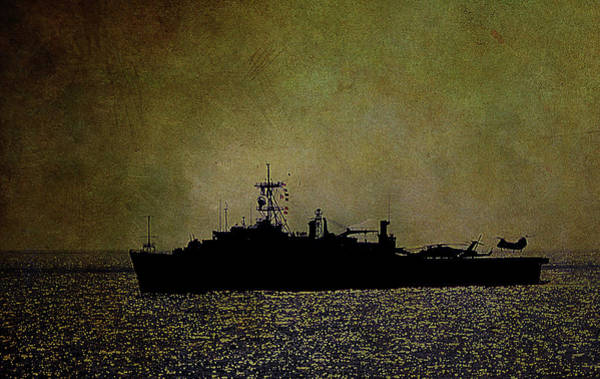 Photograph - Uss Ponce Lpd-15 by Reynaldo Williams
