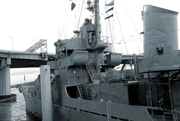 Port Of Tampa Wall Art - Photograph - U.s.s. Slater In Albany Port by Danielle R T Haney