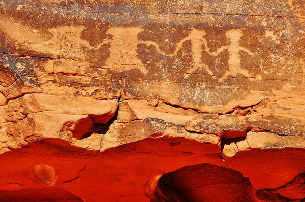 Photograph - Valley Of Fire Petroglyph Friendship by Kyle Hanson