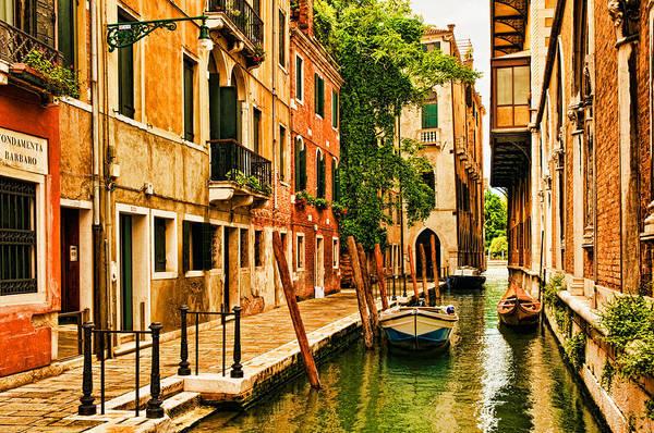 Photograph - Venice Alley by Mick Burkey