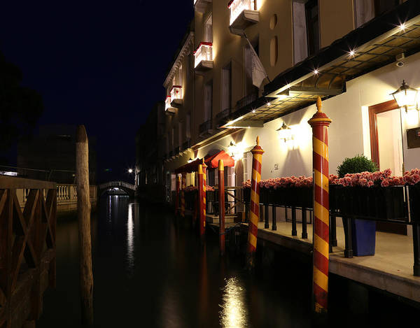 Photograph - Venice Canals 10 by Andrew Fare
