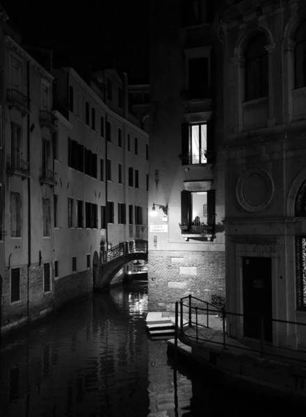 Photograph - Venice Canals 14b by Andrew Fare