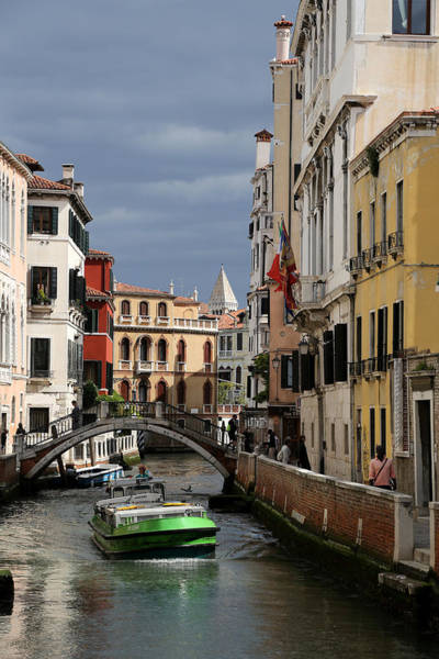Photograph - Venice Canals 19 by Andrew Fare