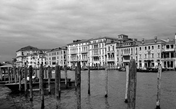 Photograph - Venice Canals 28b by Andrew Fare