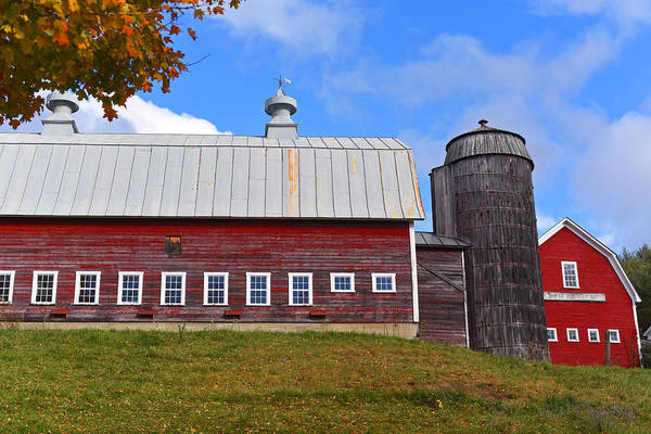 Photograph - Vermont Farm Woodstock Vt Red Barn by Toby McGuire