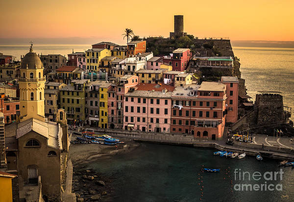 Photograph - Vernazza At Sunset by Prints of Italy