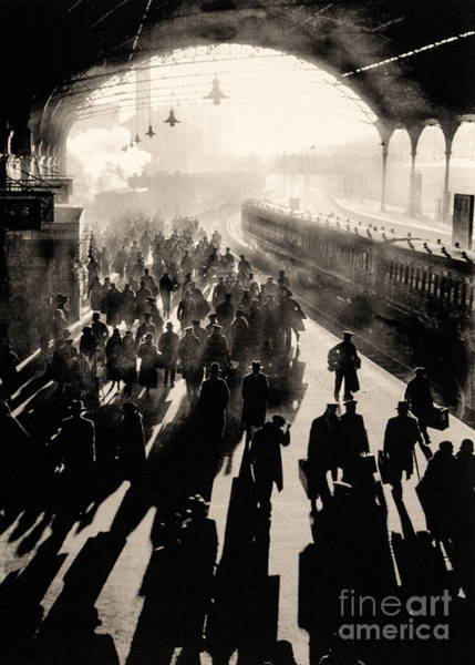 Wall Art - Photograph - Victoria Station by English School