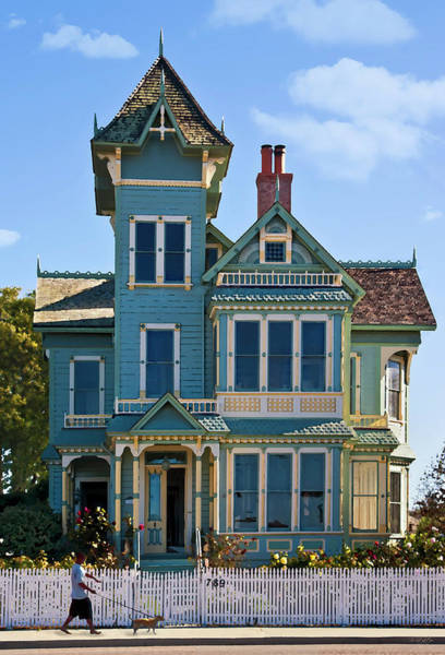 Victorian House Digital Art - Victorian House by Patricia Stalter