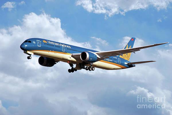 Vietnam Airlines Digital Art - Vietnam Airlines Boeing 787 Dreamliner by J Biggadike