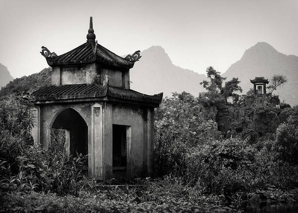 Photograph - Vietnamese Shrine by Dave Bowman