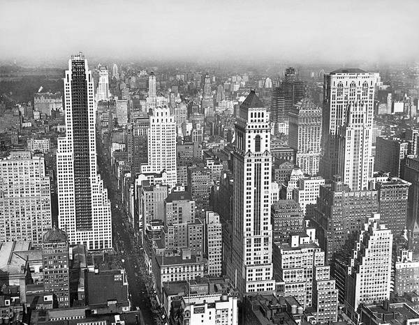 Wall Art - Photograph - View Of Midtown Manhattan by Underwood & Underwood
