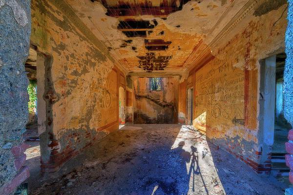 Photograph - Villa Giallo Atmosfera Artistica Con Selfie - Artistic Atmosphere With Selfie by Enrico Pelos