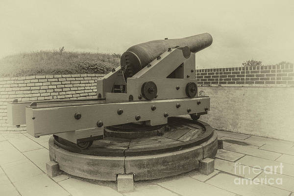 Photograph - Vintage Cannon At Fort Moultrie by Dale Powell