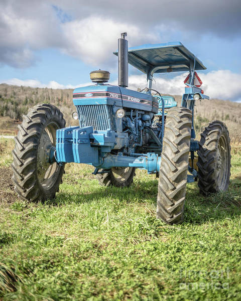 Photograph - Vintage Ford 7610 Farm Tractor by Edward Fielding