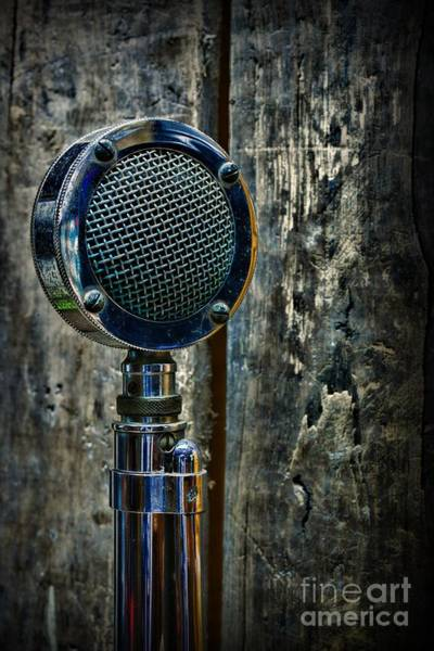 Broadcaster Wall Art - Photograph - Vintage Microphone by Paul Ward