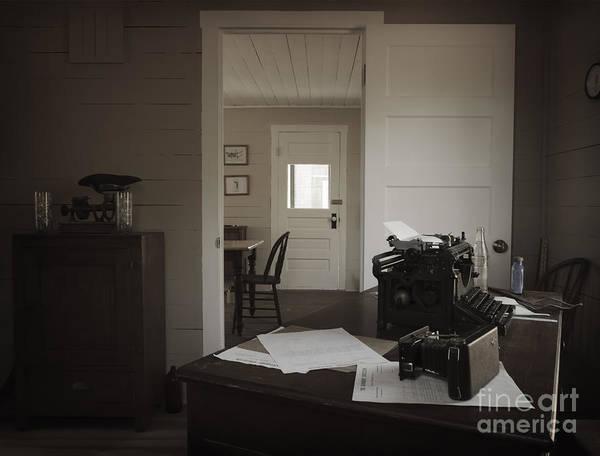 Photograph - Vintage Rendition Of Inside The Sunburst House by Debra Fedchin