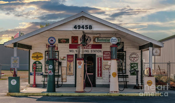 Photograph - Vintage Slice Of Americana by Dale Powell