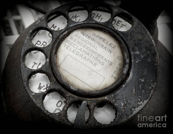 Dials Photograph - Vintage Telephone by Lainie Wrightson