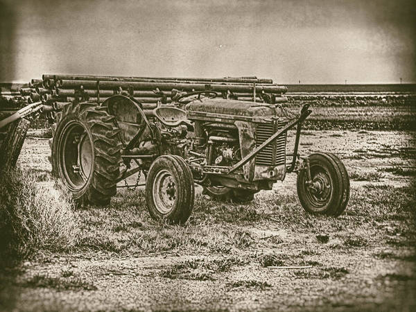 Photograph - Vintage Tractor by Charles McKelroy