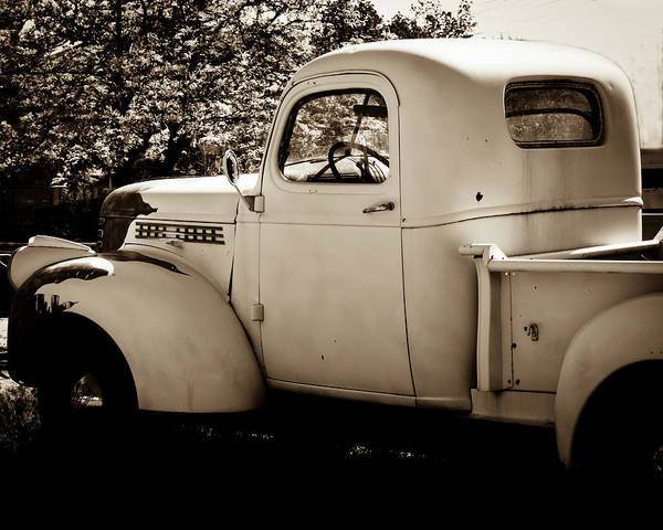 Photograph - Vintage Truck 2 by Catherine Sobredo