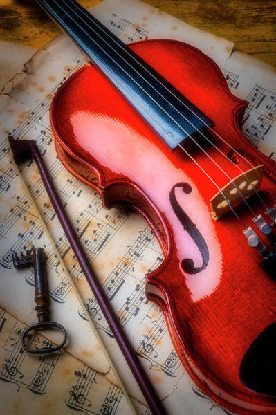 Bluegrass Photograph - Violin And Old Key by Garry Gay