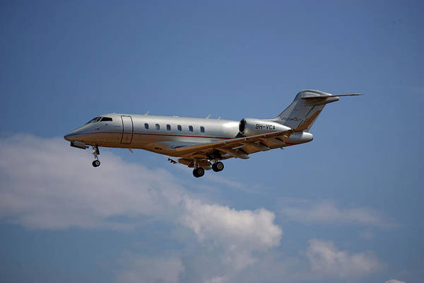 Challenger Photograph - Vista Jet Bombardier Challenger 300 4 by Smart Aviation